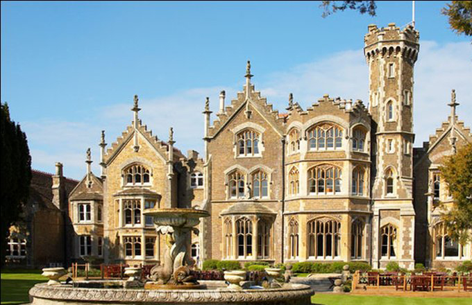 oakley court web
