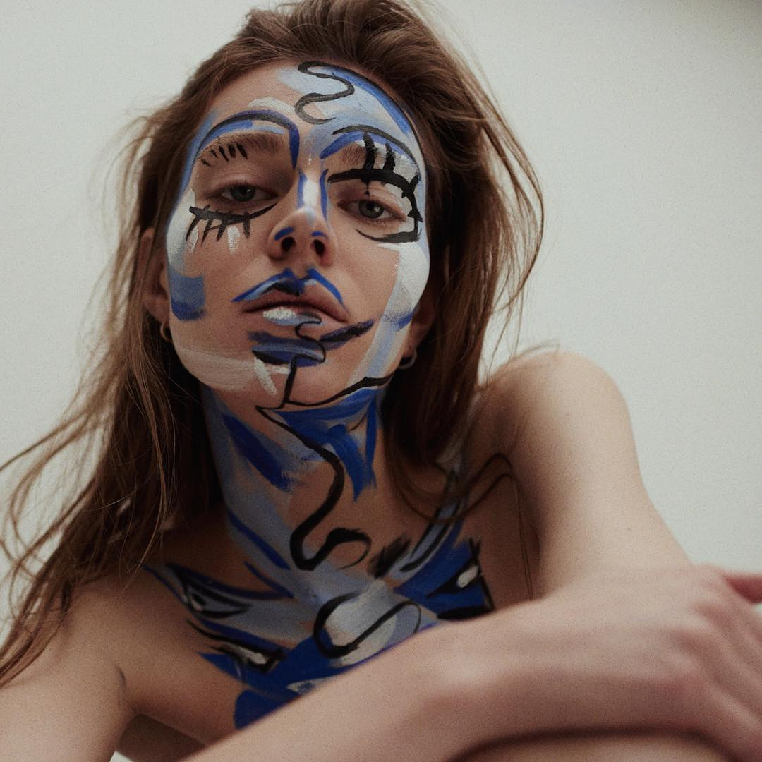 Stunning body paint editorial for @Sickymag by @aneta_kostrzewa & @marcinkempski taking inspiration from Picasso, Basquiat, Klein, Hofmann and Miro paintings