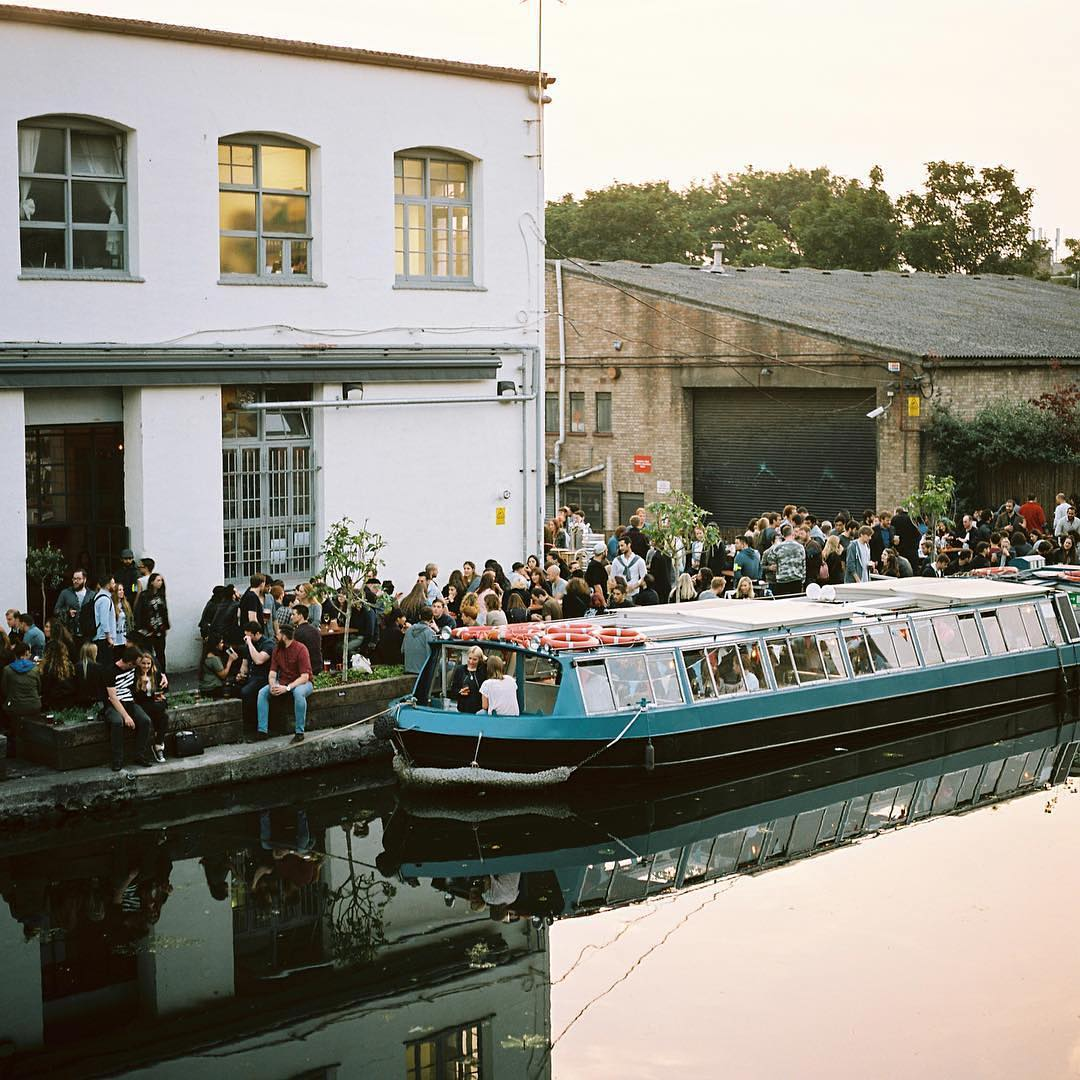 LONDON'S RIVERSIDE DRINKING