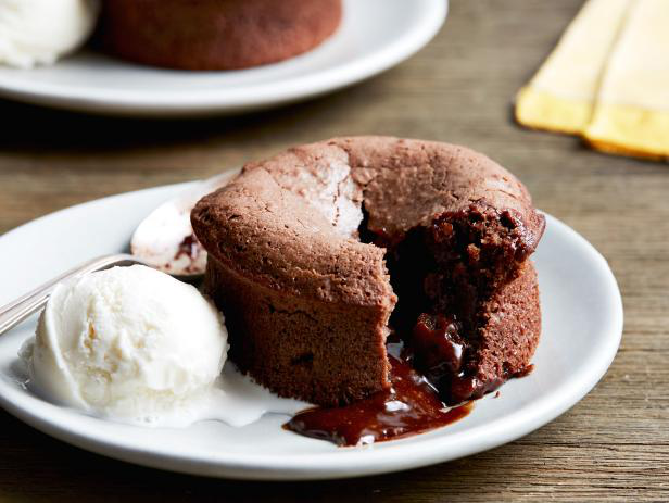 chocolate lava cake - chocolate desserts